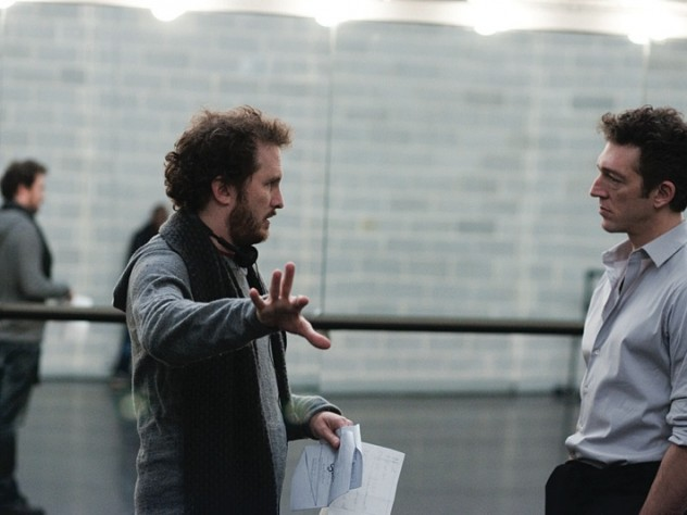 Aronofsky directing Cassel on the ballet-studio set